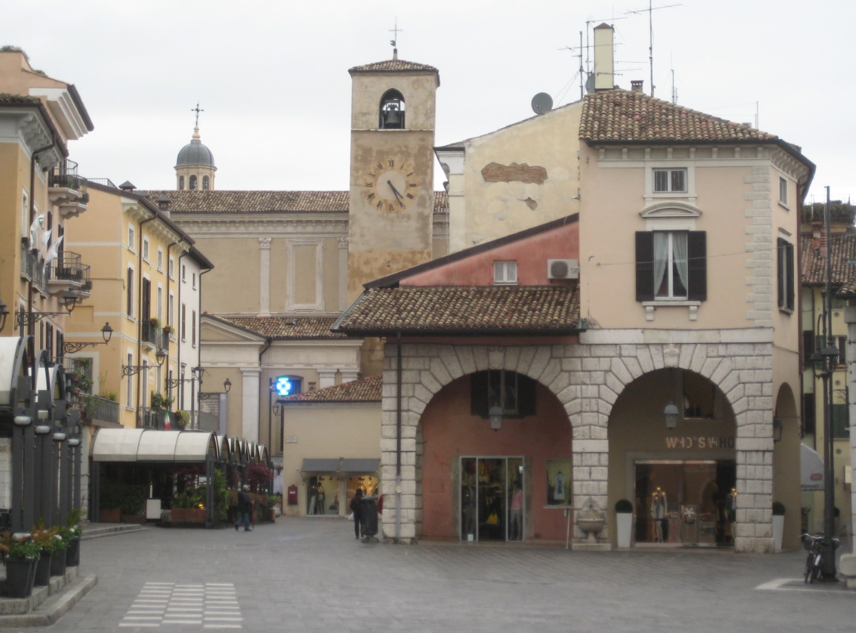Shopping in Desenzano del Garda