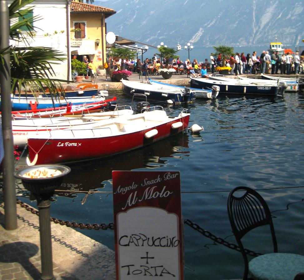 Hafenbecken in Limone sul Garda
