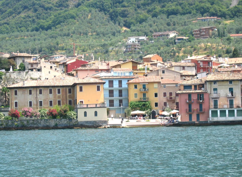 Seeufer bei Malcesine am Gardasee