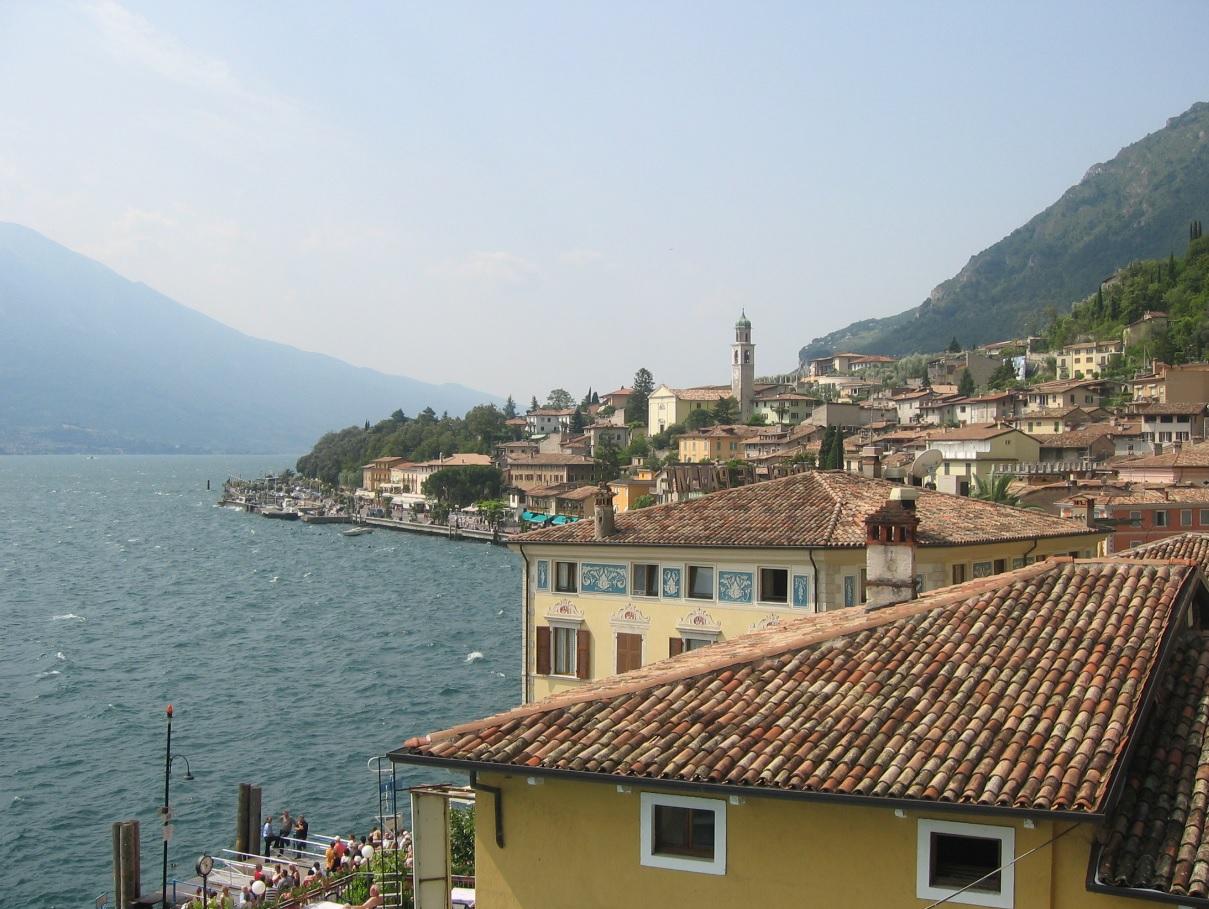 Die Dächer von Limone sul Garda