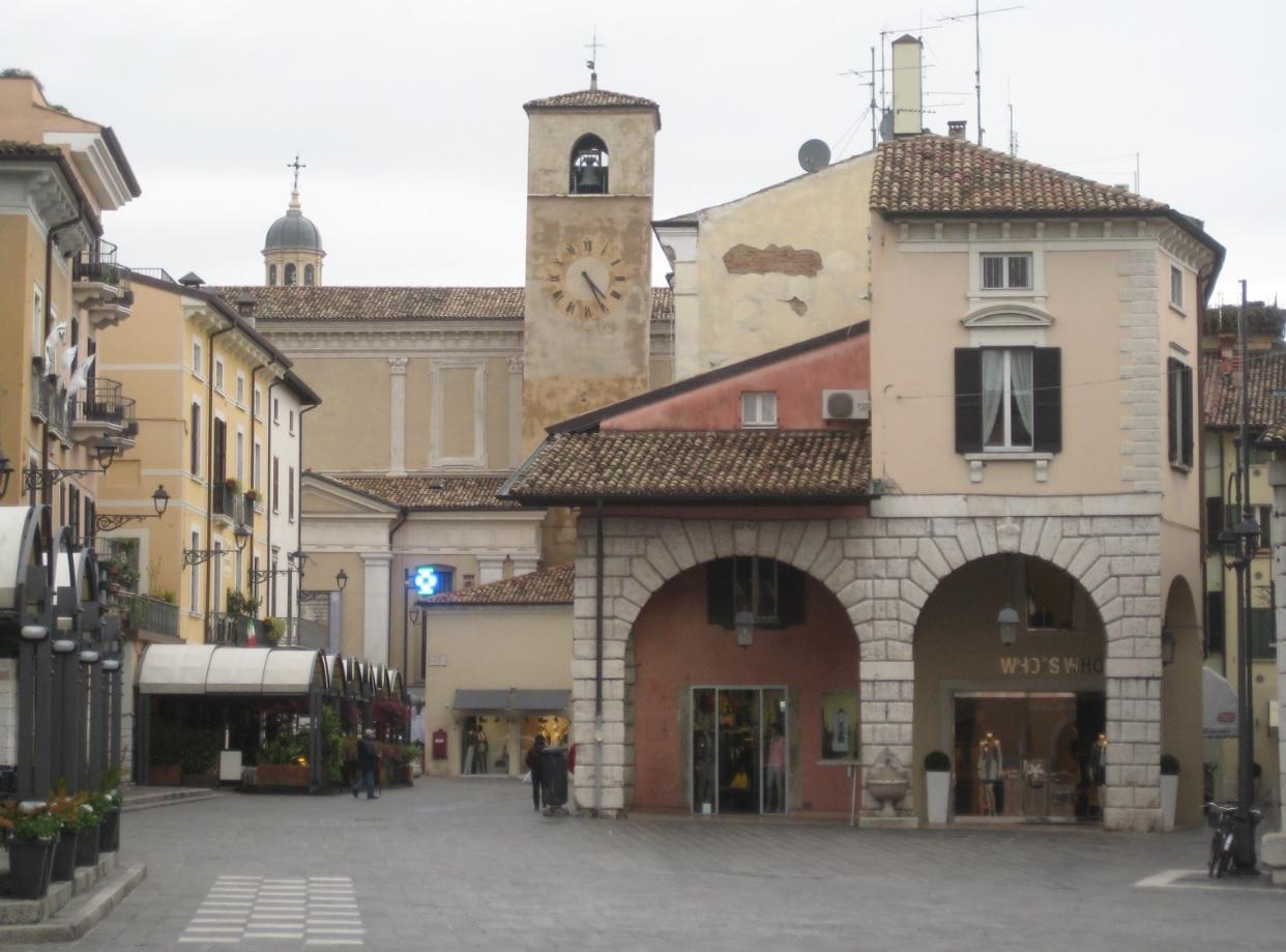 Shopping in Desenzano del Garda