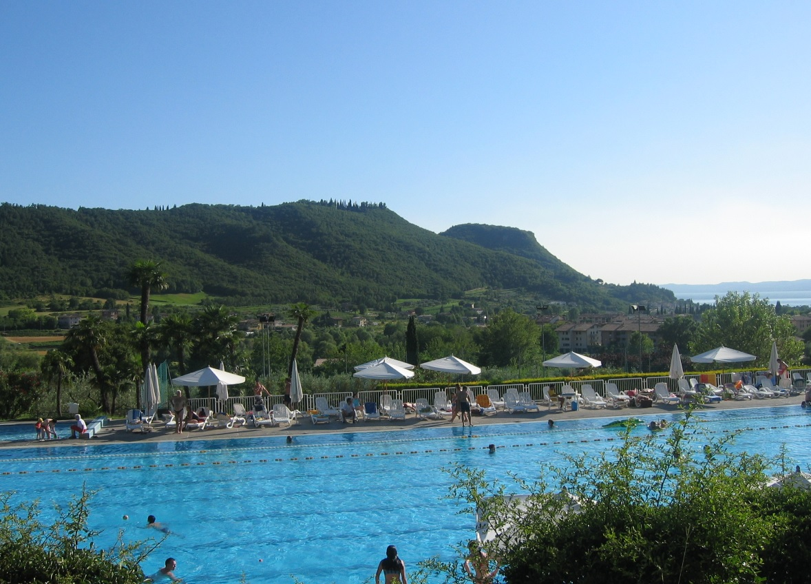Fernblick auf den Rocca di Garda