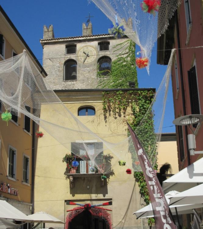Zentrum von Garda am Ostufer